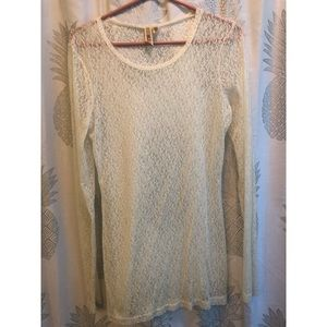 BKE Long Sleeve Lace Top